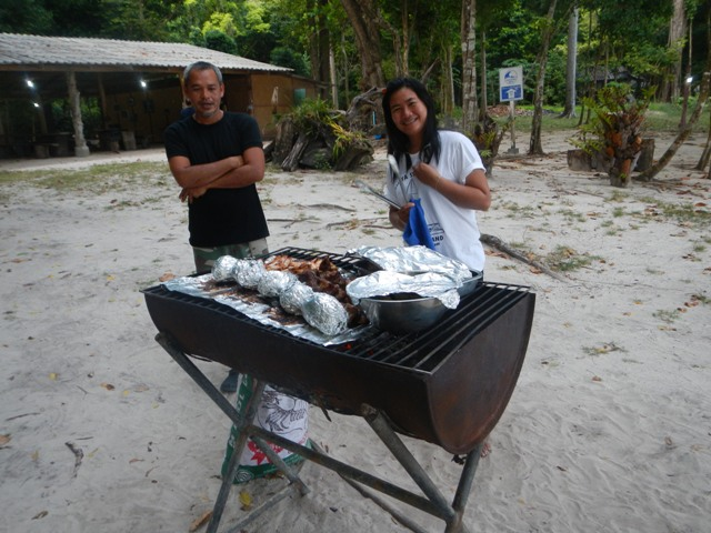 Boat_KohRok_BeachBarbeque1