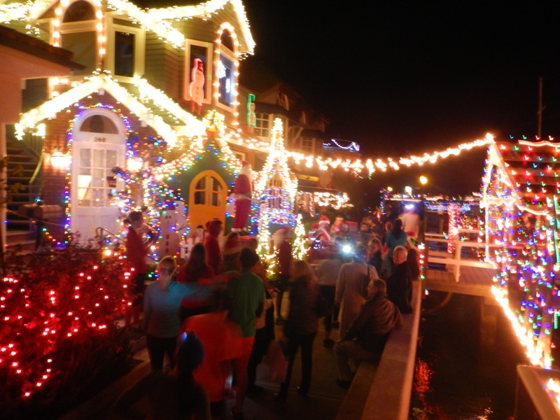 ChristmasRun_HouseWithLights2